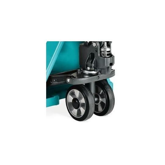 Dependendo o nível de desgaste, se houver necessidade da troca de 1 roda do conjunto, o ideal é trocar as duas rodas.